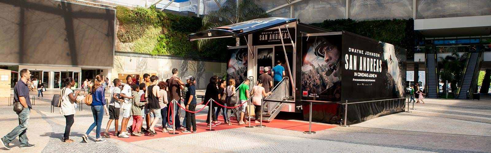 Warner Bros San Andreas Roadshow Truck B8 (1)